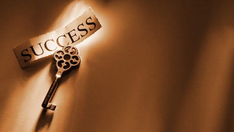 身價破百億台幣的祕密:被問「什麼因素使你成功?」查理蒙格用2個字回答...