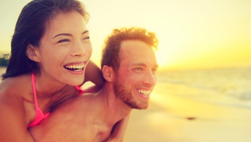 這對夫妻不到40歲就退休,竟是因為「從不買車、不買房」