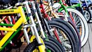 中國流行的共享單車真的「共享」了嗎?!