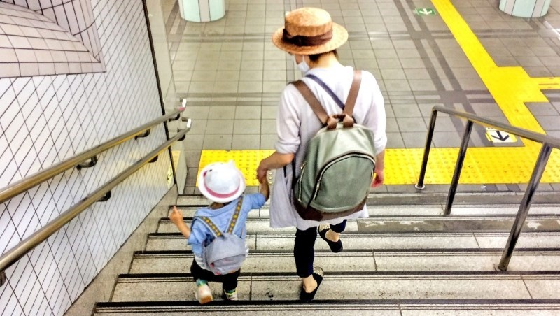 爸媽別再催我生小孩了!都是補貼生育,日本砸5千億,台灣只肯花65億...不生要怪誰