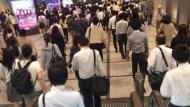 假日操14小時只領500元...7張圖告訴你,台灣勞工辛苦賺,為何政府、雇主都看不到