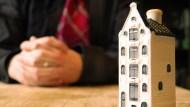 在天龍國擁50間房...資深包租公談致富:我長期投資的不是房子,而是「房客」