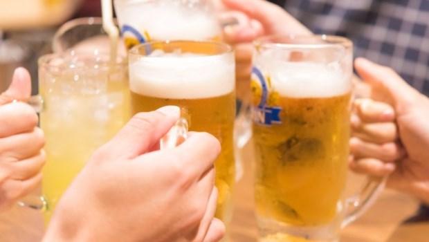 酒 啤酒 朋友