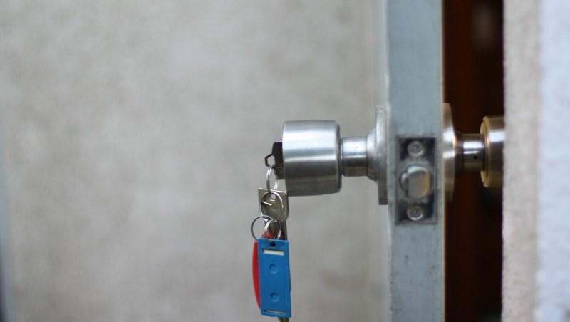 房子 房屋 買房 購屋 租屋 鑰匙 房門