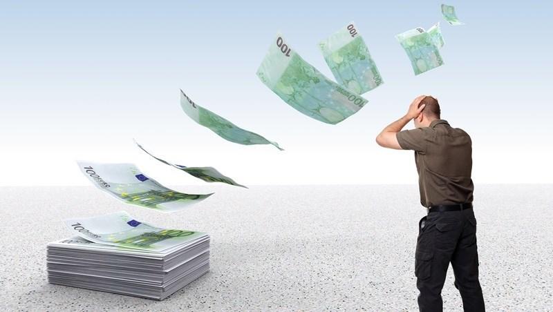 辦定存、外幣存款,別只看「利率」多少!忽略一個重點,將來討不回血汗錢