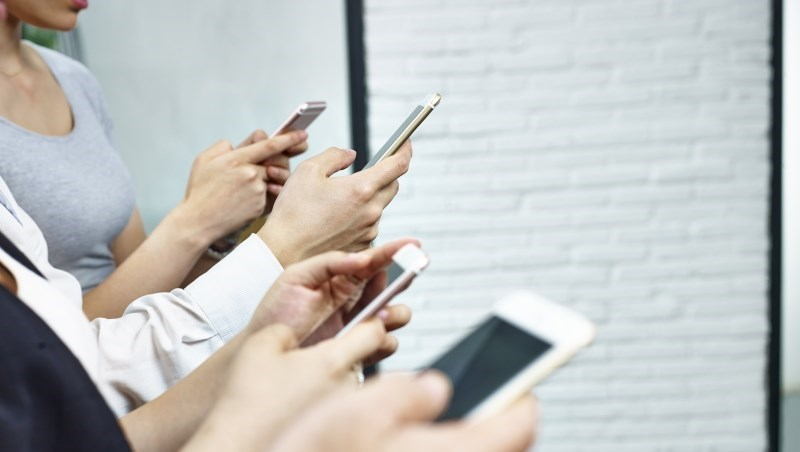 給沒辦法一個禮拜不用手機的你:這樣做,電信公司就幫你付手機帳單