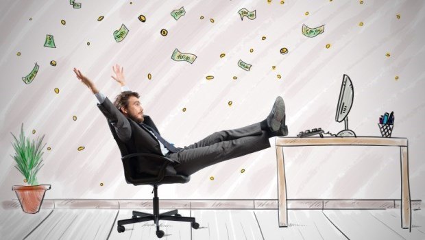 股市維持萬點,誰還敢入市?閒置資金放這:加碼反向商品,別人賠錢你賺錢