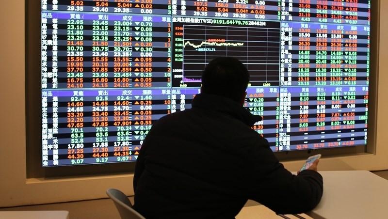 為什麼股市永遠只有少數人賺錢?一個40歲交易員的教訓:你的不自律,就是別人的新台幣