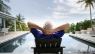 出國旅遊怎麼省都省不掉的飯店費...這對夫妻靠「看房子」世界各地免費住豪宅
