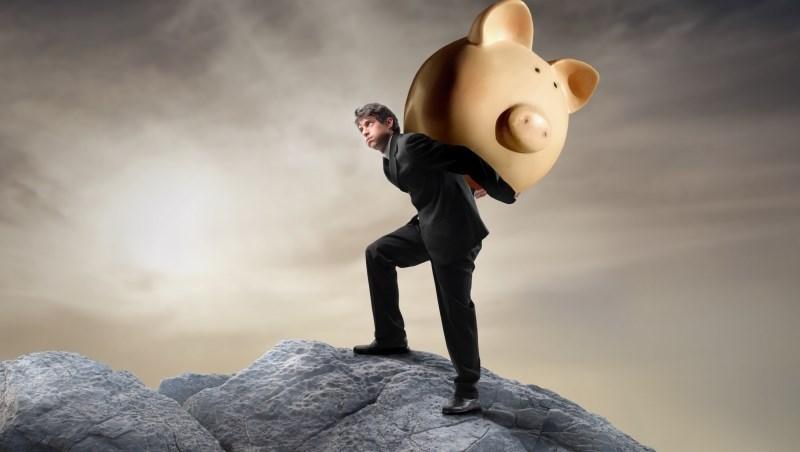 長期投資=存股?10年前買「這檔」龍頭股,越存越想哭...還不如定期定額買ETF