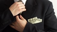 存股3000萬不敗教主:我不在乎退休金被砍,我今年靠一檔股票領60萬股利!