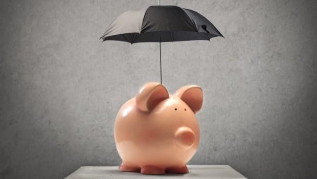 定期、終身?保險應該從「預算」開始選:一年繳不出12.8萬保費,別傻傻買終身險
