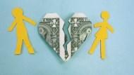 賺得比對方少,就一定爭取不到監護權嗎?「熟年離婚」所有跟錢有關的事,律師一次解答