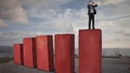 台股不穩,跟著主力買股票?小心被套牢!分享4大出場技巧,免住套房又有賺