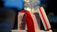 過年送禮這樣送!心理學專家:聽聽這個「互惠原理」,讓你送小禮,換來大人情