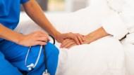 「你都不用上班,照顧人就好...」秒激怒照顧者的6大問句,為了家庭和樂一定要看