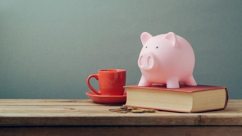 住家裡、三餐吃家裡,「極致存錢法」一個月只能花1000元...理財達人:那就拿來買書吧!