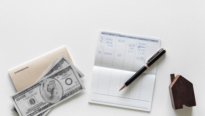 收入,存摺,筆記,房租,匯款,存錢