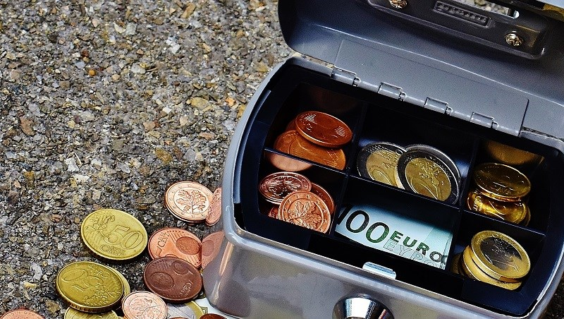銅板,儲蓄,存錢,零錢,股票,上漲