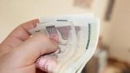 懶人理財》每月存2萬,咖啡錢利息買單…數位帳戶存款優惠,最高年息有1.2%