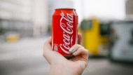 巴菲特愛將可口可樂營收俏、股價飆歷史高 殖利率逾3%