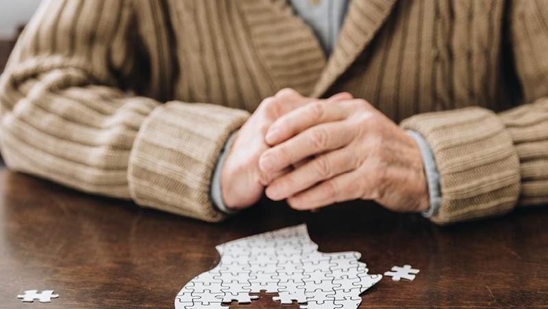 誰說年紀大才會失智?提升病識感,別成為失智症的「隱藏角色」