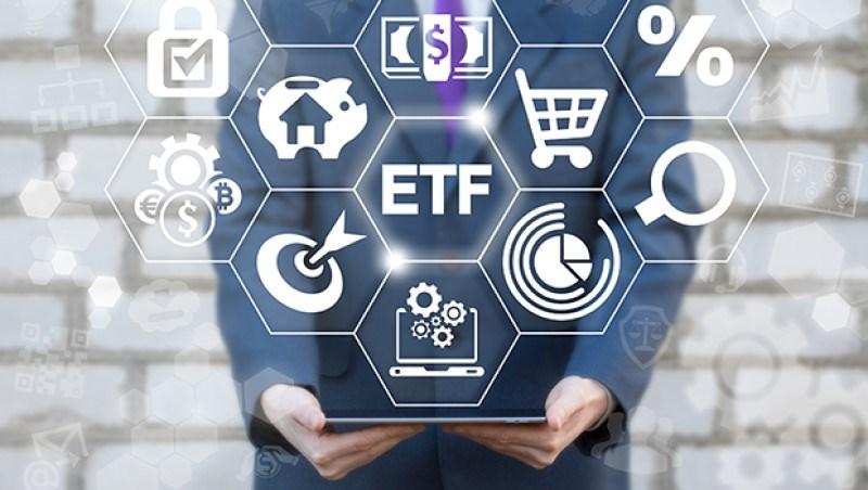 搶走基金風采,ETF真能傻買無腦賺?「3大盲點」先知悉,百檔挑選要擦亮眼!