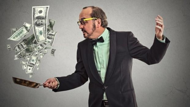 當有人積極找你「合作賺錢」,你會怎麼反應?傳銷產業層層抽佣,會員制很吸客