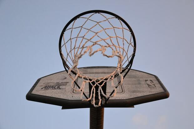 向Kobe致敬》「你知道凌晨4點洛杉磯的樣子嗎?」不只擁有打籃球的天賦,Kobe Bryant比別人更願意付出努力…
