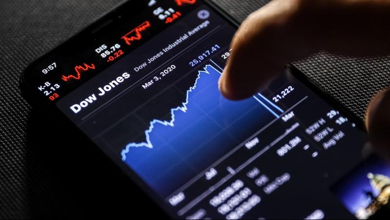 台股美股齊跌,觀望還是進場?股市大咖:盲目從眾,會再次錯過大漲