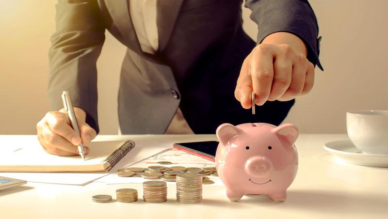 相比賺得多也花得多的族群,有錢人平均多花2倍時間理財⋯想致富,先學會重視金錢