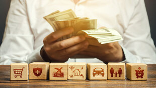 「身上有10萬定存,現在能投資什麼?」真心建議:不要拿緊急預備金來賭