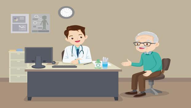 長輩看病老說不清楚症狀?這樣記錄,有助醫生做出正確診斷