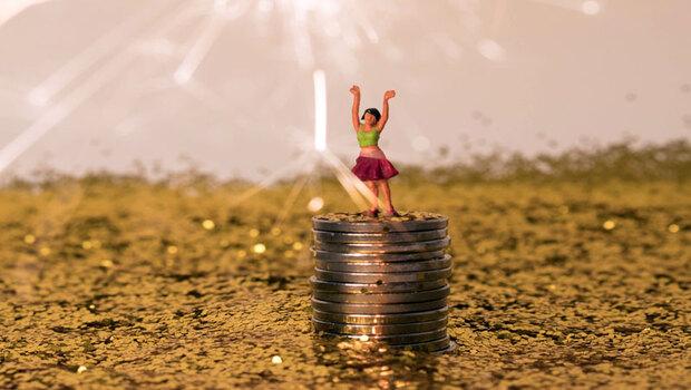 台股價增、國人理財意識抬頭…3原因加持,主動式基金+被動式ETF規模大增逾2000億