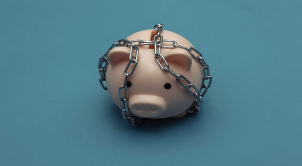 不想掏空積蓄,就得過著苦行僧般的節儉生活?過於節衣縮食將失去生活樂趣…