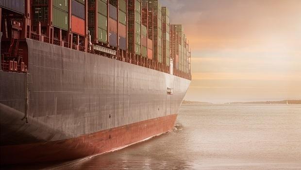 日本海運股逆勢狂飆!貨櫃運費優、商船三井2度升財測