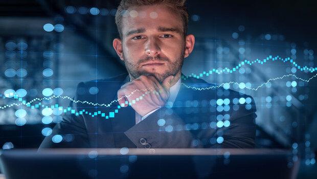 為了快速獲利而殺進殺出,小心淪為韭菜...投資達人:投資過程慢,資產增加速度反而快