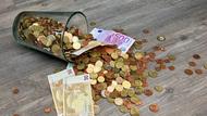 金錢很重要,但擁有善良的心更重要!利用零用錢,親子共學存錢、投資、花錢、捐錢4件事