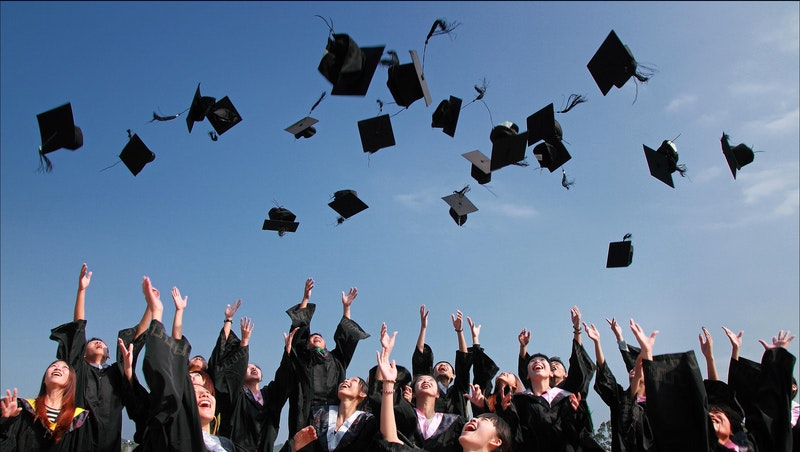 新鮮人補助來了!政府推「青年尋職津貼計畫」,最高可領3萬2000元