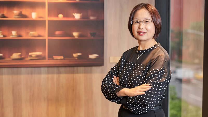 楊璨萍:專業與溫度,從有利客戶做起,深耕職域開發,做出差異化的自我品牌