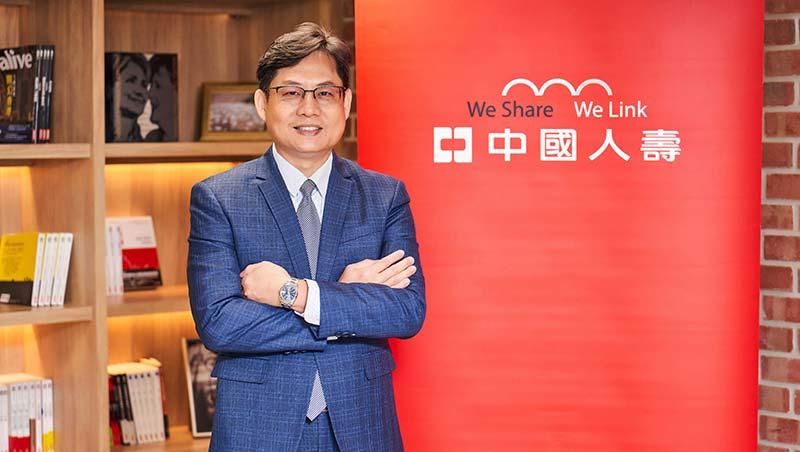 吳志松從競賽後段班到奪下第一名,產學合作深耕,參與轉型加速單位績效突破