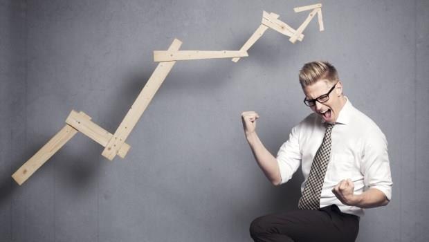 與其期待超越大盤,不如讓獲利貼近大盤!靠指數型基金,讓投資少輸為贏