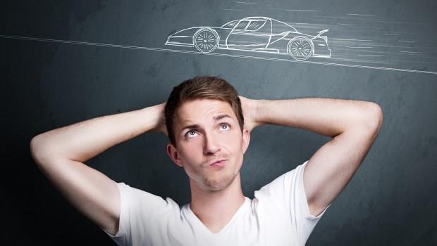 37歲貿易業務買新車,半年後卻淪落到要跟父母伸手要錢!專家:他犯了理財5個大忌!