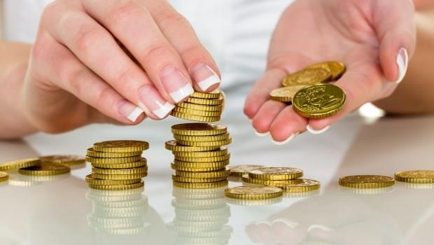回家立刻掏出零錢投入存錢筒...一個簡單的動作,卻是存錢的第一步!