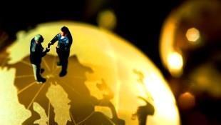 投資不懂經濟學恐成肥羊!匯率、供需、全球化都是經濟學,這麼做就能與孩子從生活共學!