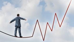 美國大選之後的台股走勢:變形的雷根經濟學vs.跛腳的凱因斯學派,誰能