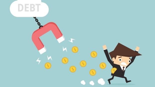 負債 上班族 薪水 薪資 失業 無薪假