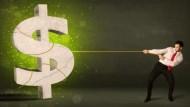 有配息的投資型保單真的好嗎?理財顧問實際算:30年後少1000萬,更可能配到你的本金!