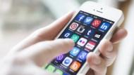 iPhone中國銷量勁增逾18% 蘋果股價續創新高