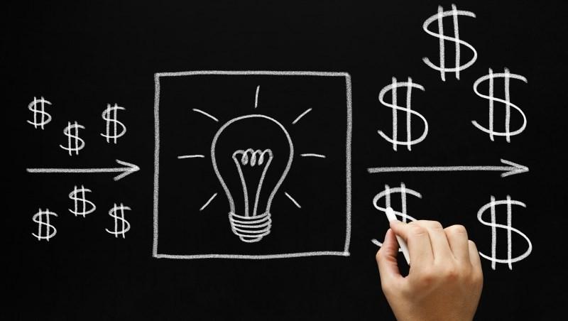 若讓你與22歲的巴菲特同時拿1萬美元去投資,10年後結果會是?●●才是改變財富的關鍵